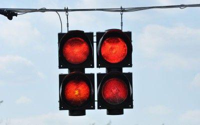 Sezon wakacyjny trwa – pamiętaj o bezpieczeństwie podczas jazdy